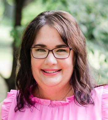 headshot of Shellie Stubbs